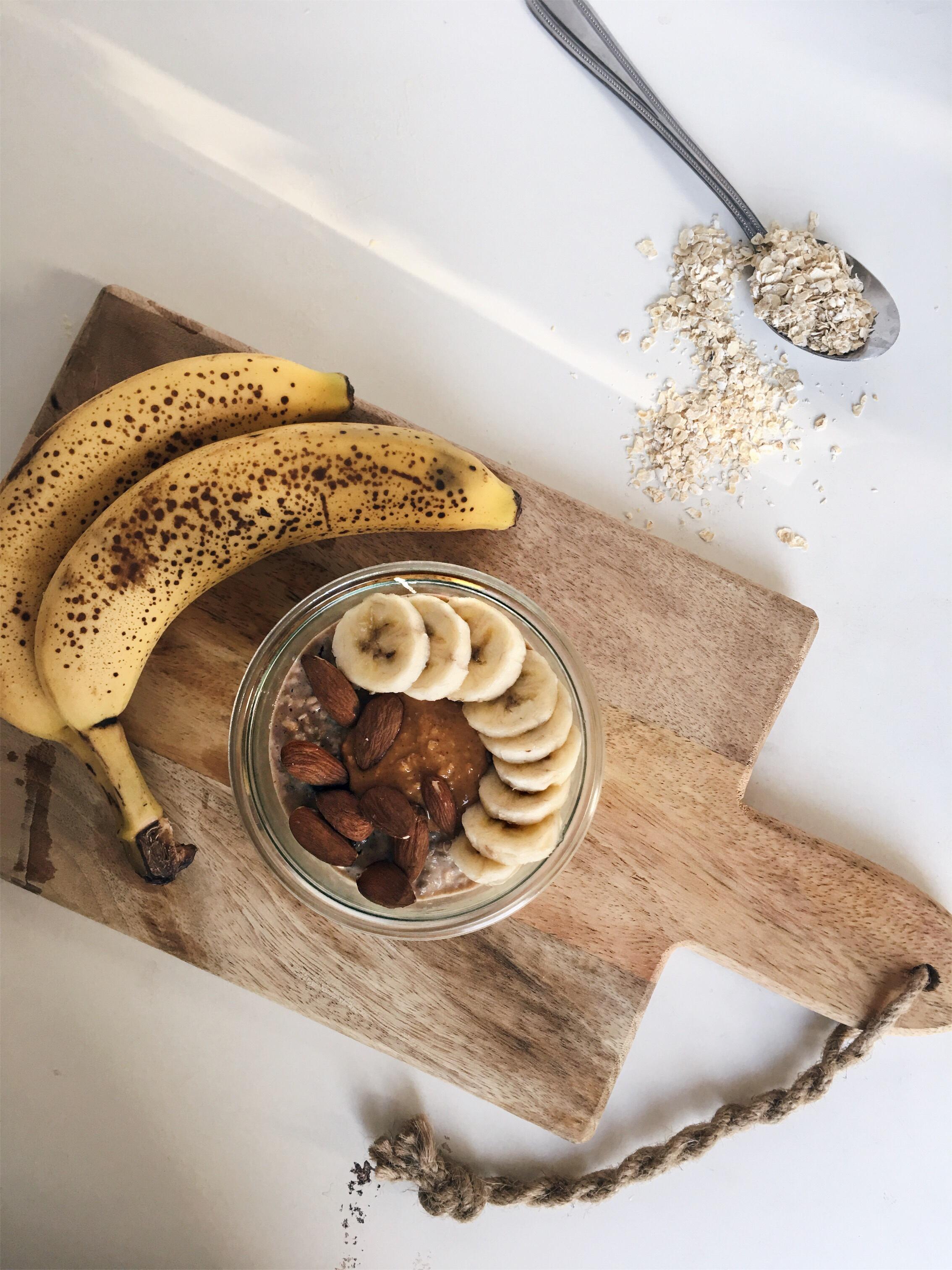banaan-pindakaas overnight oats